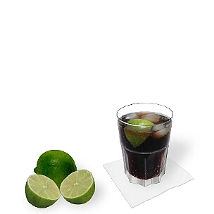 Cuba Libre im Tumbler Glas, so wird dieser weltbekannte Drink in Cuba serviert.