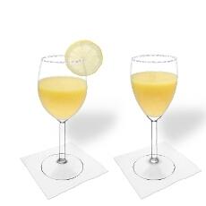Mango Margarita im Weiß- und Rotweinglas