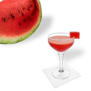 Eine weitere großartige Option für Frozen Watermelon Margarita, eine Cocktailschale.