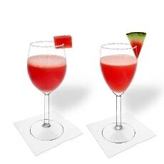 Frozen Watermelon Margarita im Weiß- und Rotweinglas