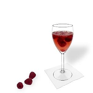 Alle Weingläser eignen sich hervorragend für eine Himbeerbowle.