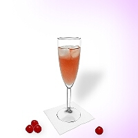 Kir Royal im Champagnerglas