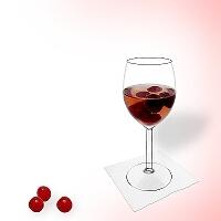 Kirschenbowle im Rotwein Glas.