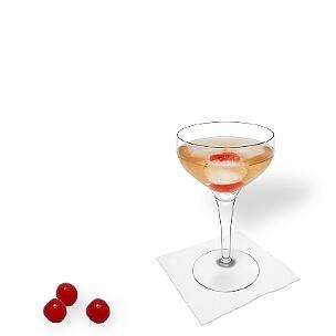 Cocktailschalen sind eine weitere gute Option für Manhattan.