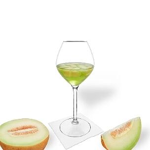 Melonen Bowle ist ein fruchtiger und süffiger Party-Drink.