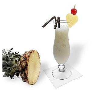 Piña Colada ist ein leckerer Kokosnuss-Cocktail aus Brasilien.