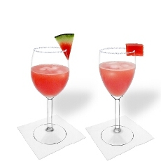 Wassermelonen Margarita im Weiß- und Rotweinglas